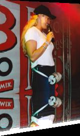 Sabrina Lange moderiert für BB-Radio beim Turmfest in Luckenwalde
