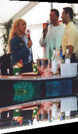 Sabrina als Moderatorin bei einer Cocktail-Meisterschaft in Potsdam-Babelsberg
