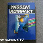 """Das einzige Buch im Big Brother Container der ersten Staffel: """"Wissen kompakt"""" - bekannt aus dem Sprechzimmer ;-)"""