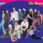 Gruppenbild aller Big Brother Staffel 1 Bewohner.