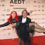 Sabrina Lange und Thomas Graf von Luxburg auf dem AEDT Sommerfest in Berlin
